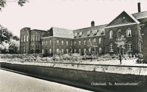 St Antoniusklooster met school 1959