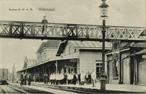 Station met voetbrug ca 1900 (voetbrug 1927-1950)