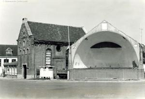 Synagoge met muziektent (geb. 1923) 1964 vlak voor afbraak