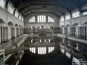 Zwembad van binnen